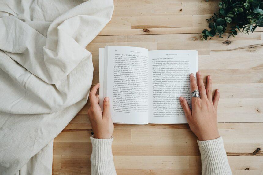 Czytanie książek kolejny raz -wady i zalety